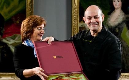 Sinaga recibe el Premio Aragón Goya. Heraldo de Aragón
